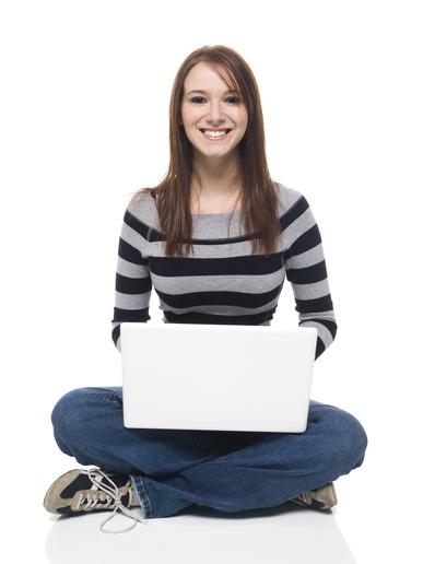 Model met alle benodigdheden om online geld te verdienen met webcammen